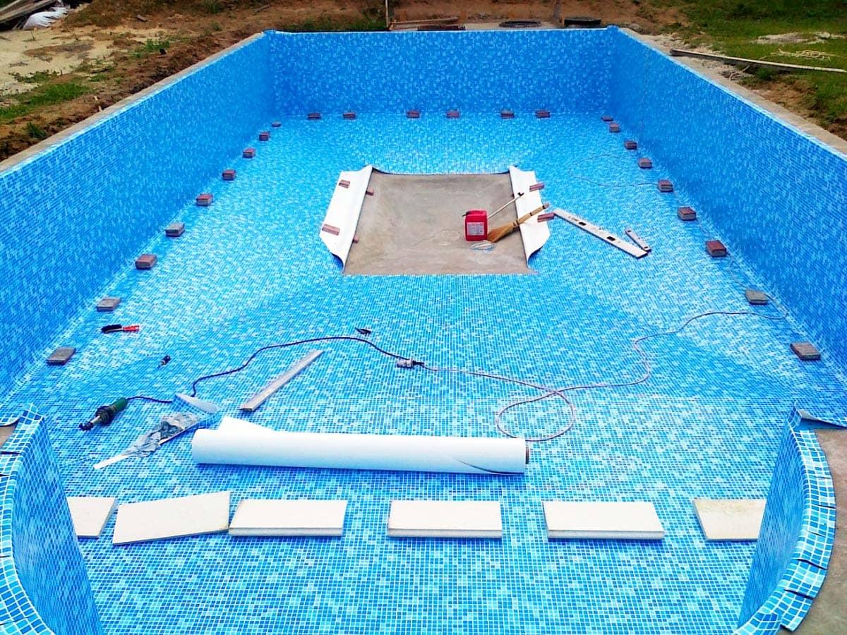 Как уложить пленку для бассейна своими руками 90